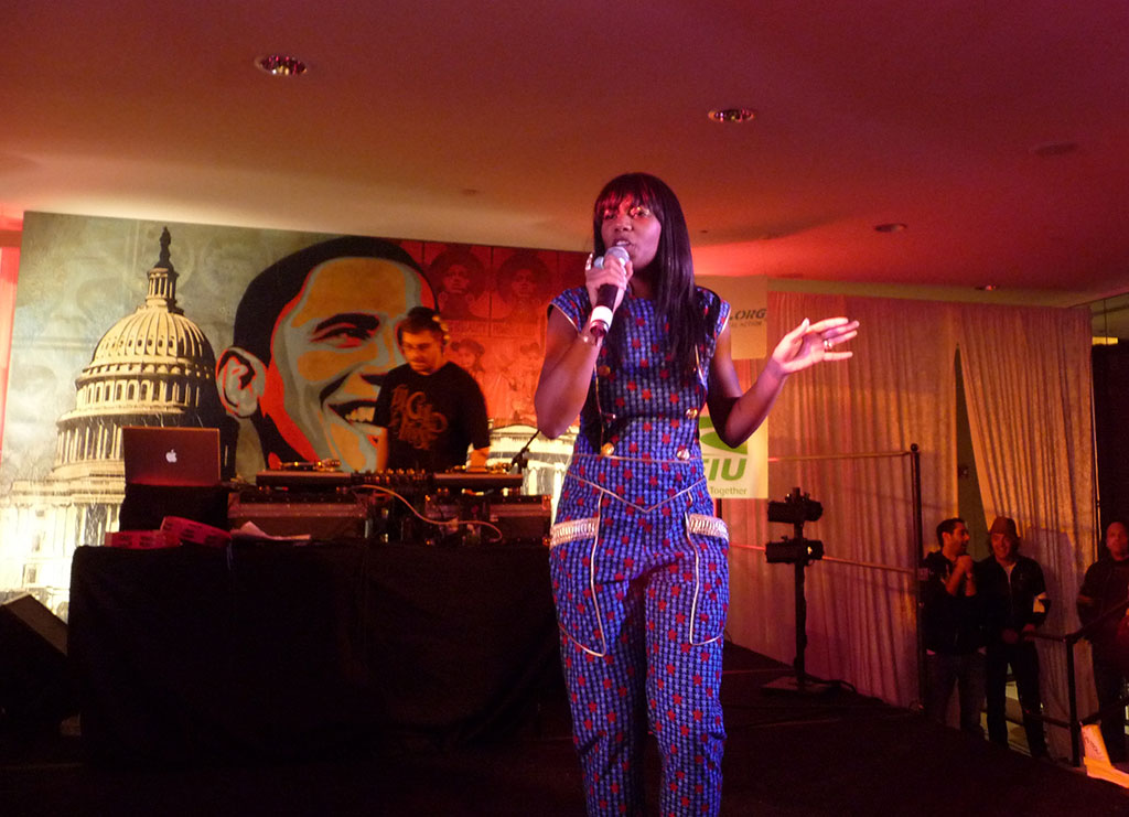 Santo Gold brings the house down w/ her infectious melodies