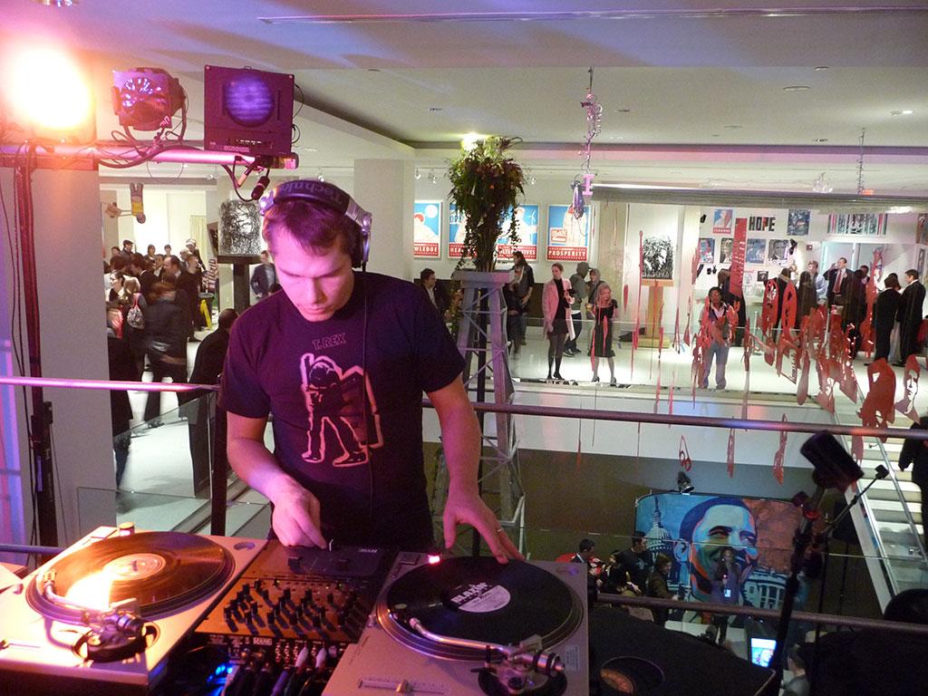 DJ Diabetic workin the turntables