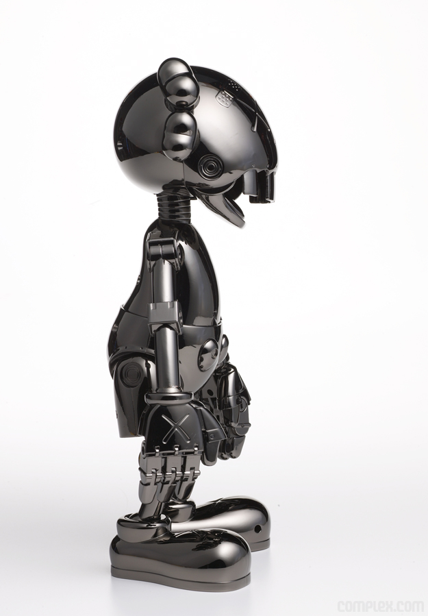 kaws_sorayama_nofuturecompanion_side