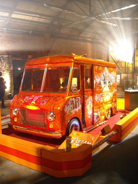 Mister Cartoon's amazing ice cream truck