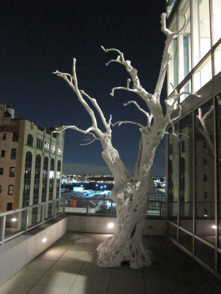 Breathtaking Ugo Randinone sculpture on the freezing terrace!