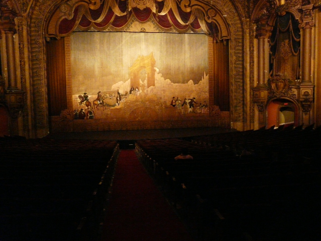 Beautiful Los Angeles Theatre with capacity of 2000