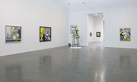 roy-lichtenstein-still-lifes-gagosian-2010-installation-view-2
