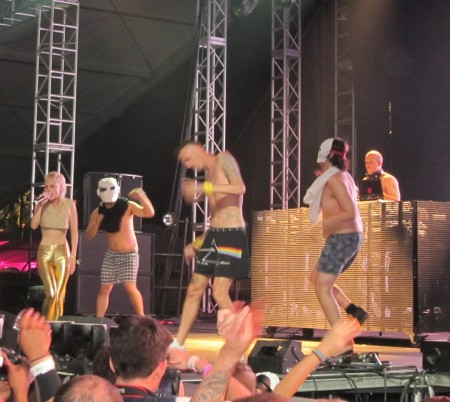 Yo-Landi, David Choe, Ninja & Jason Jaworski owning it at Coachella!
