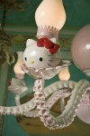 Hello-Kitty-wht-pink-chandelier-detail2