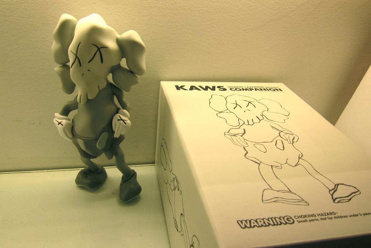AM KAWS Lazzarini Companion 10