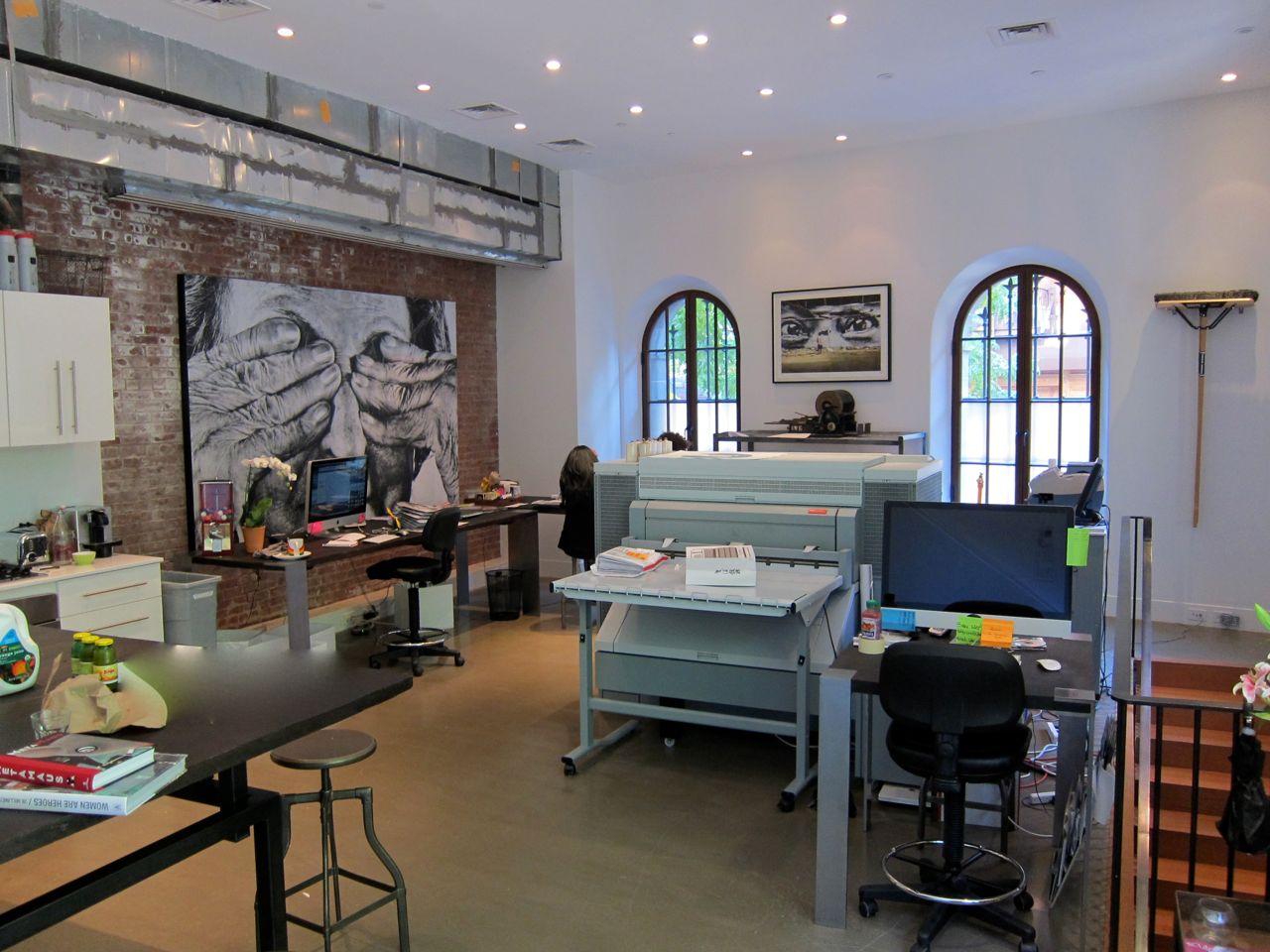 JR Perrotin Studio Visit encrages AM  8