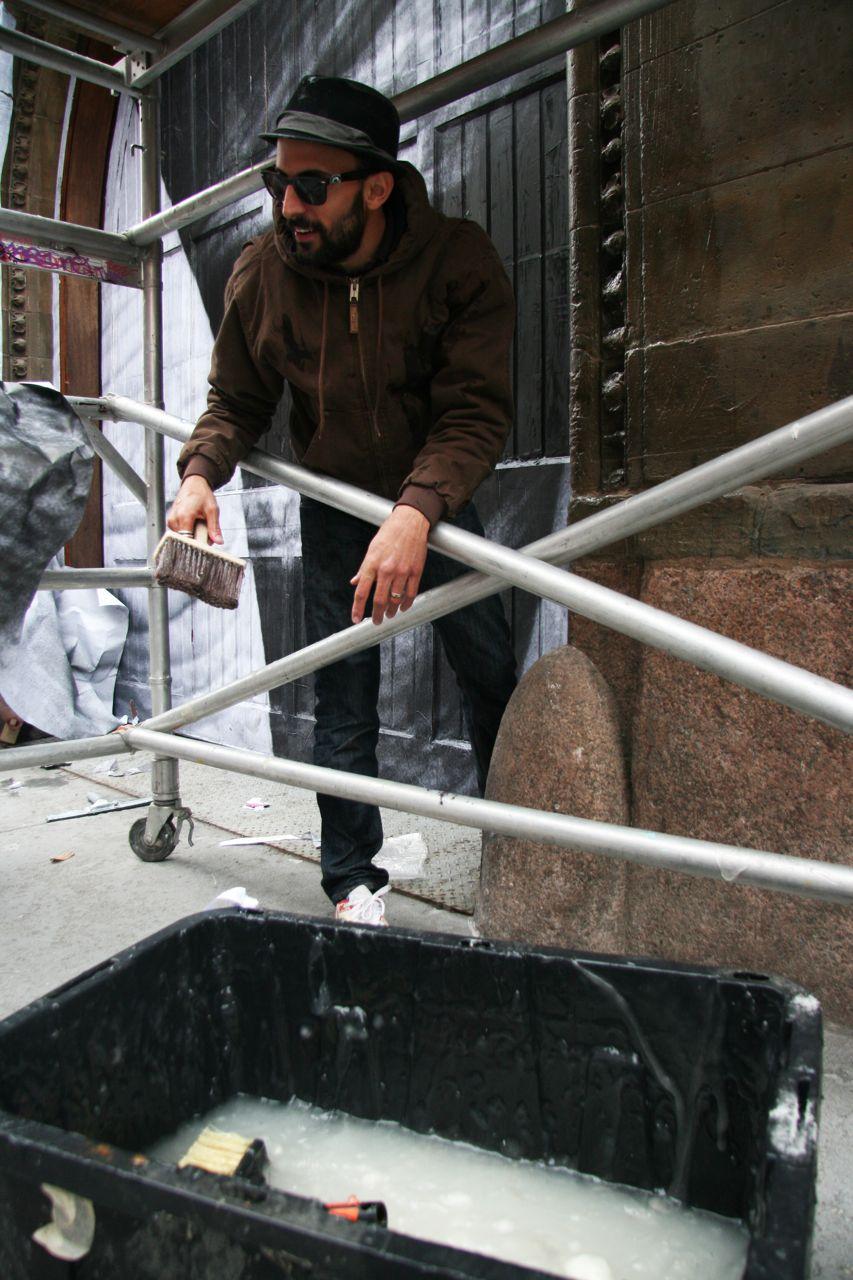 Liu Bolin JR NYC mural AM 13