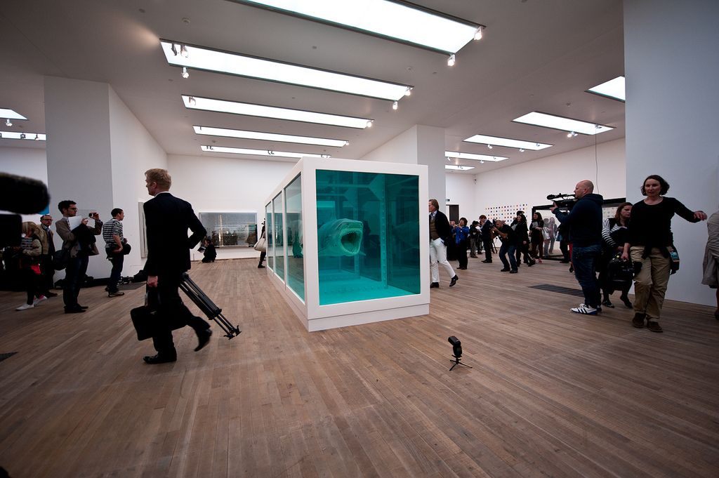 happyfamousartists_hirst_tate - 25