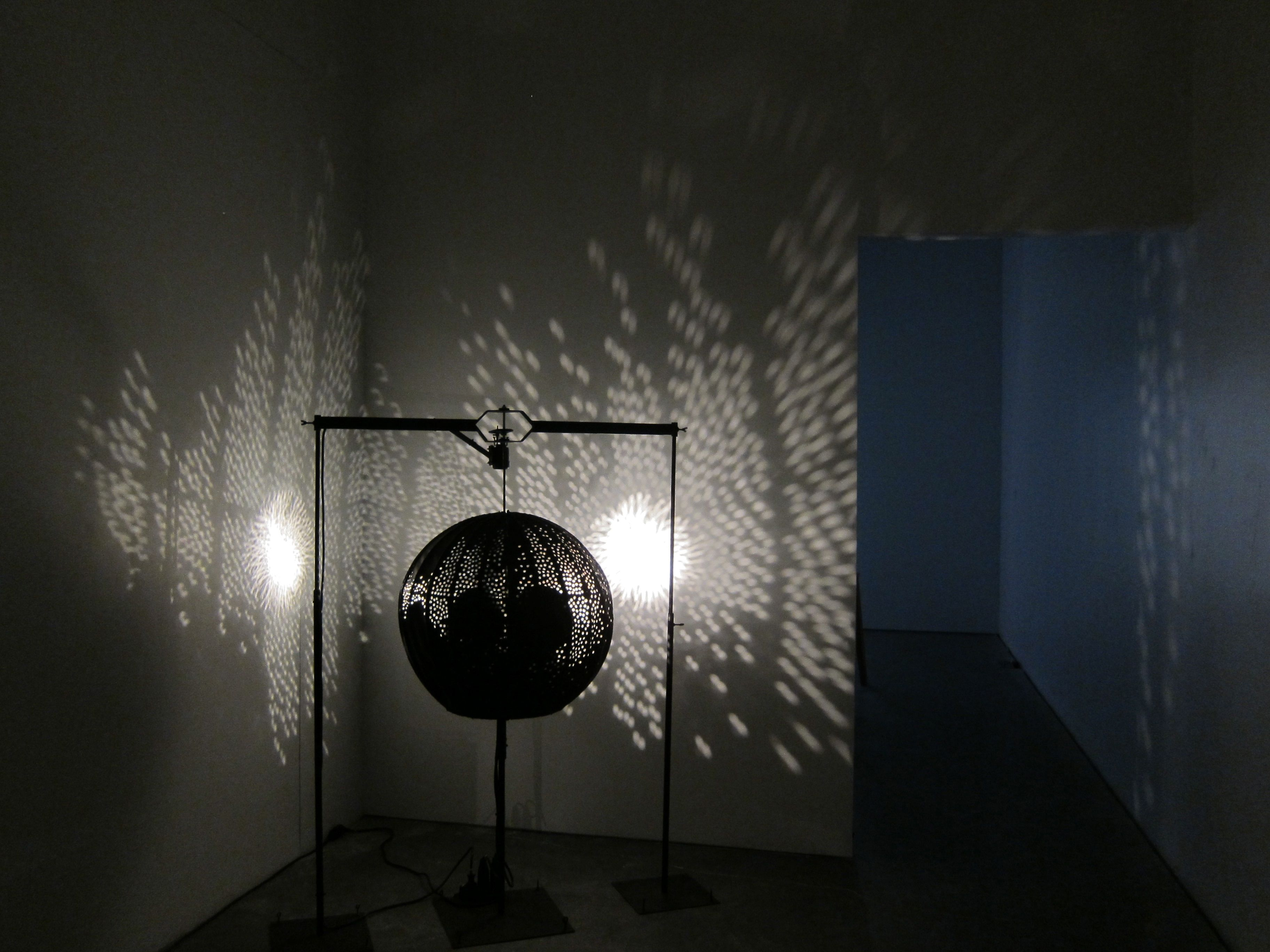 New Museum Ghost Machine AM 52