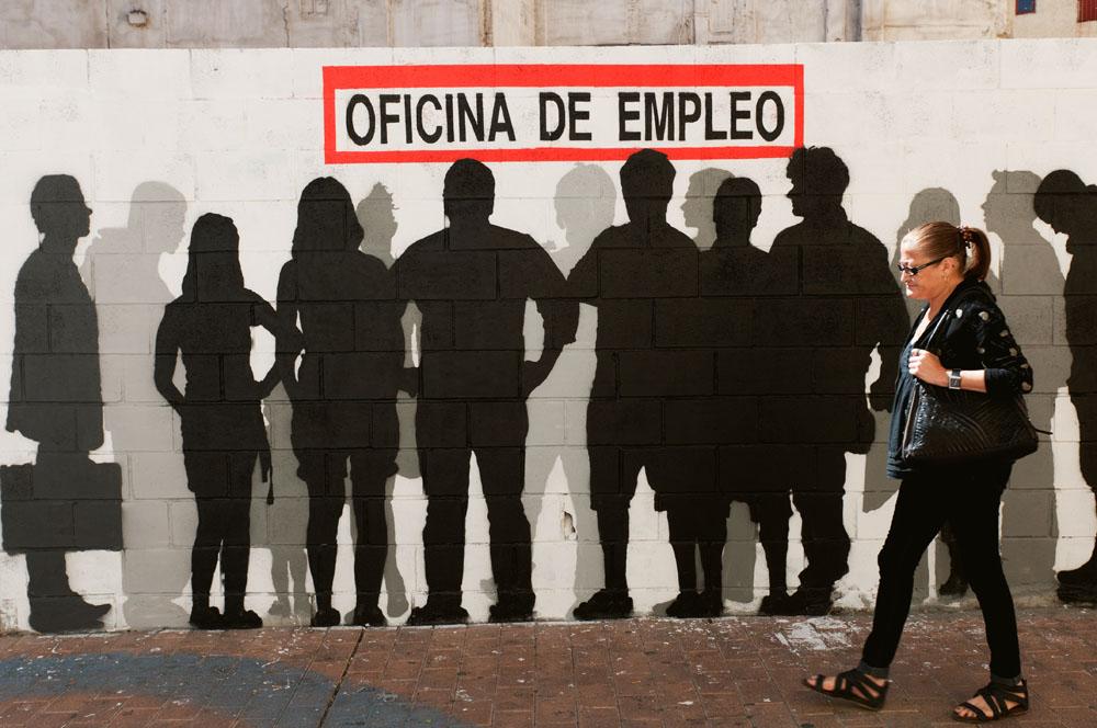 Oficina_woman_infront