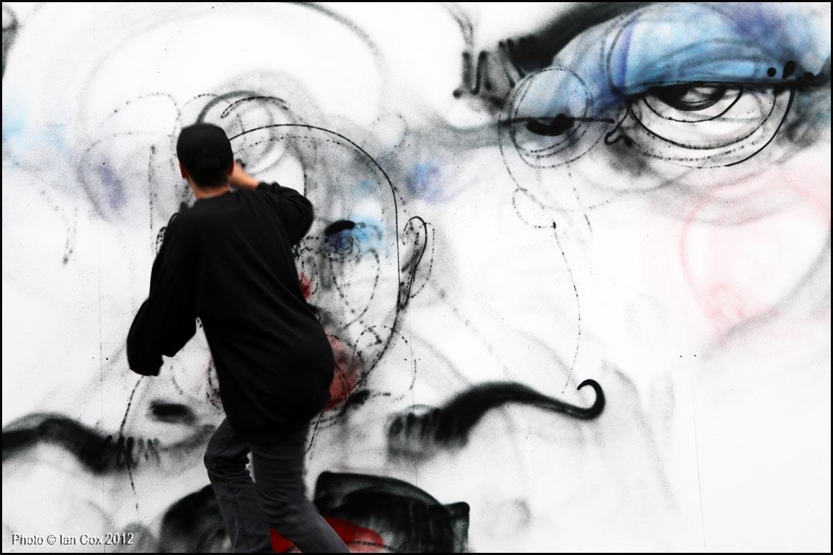 IMG_6033_1200_Artist_Anthony_Lister_Truman_Carpark_Photo_©_Ian_Cox_2012