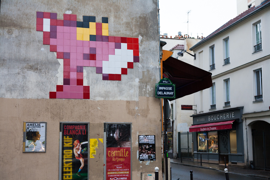Space Invader @ Paris - La panthère rose