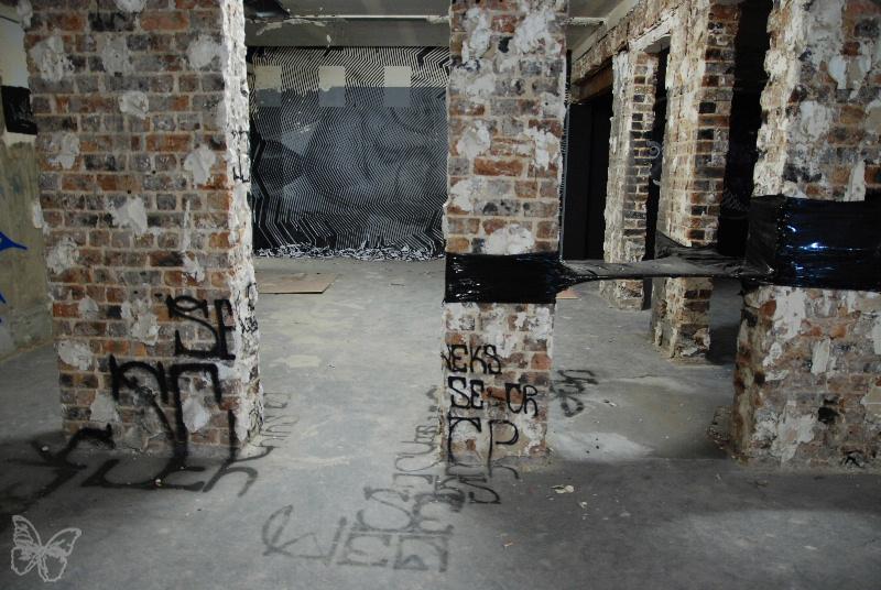 Sten-Lex-Les-Bains-courtesy-Stephane-Bisseuil-Galerie-Magda-Danysz-7-600x399