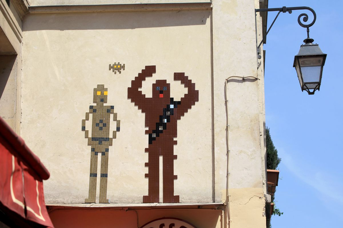 Invader with a Star Wars themed piece in Paris.