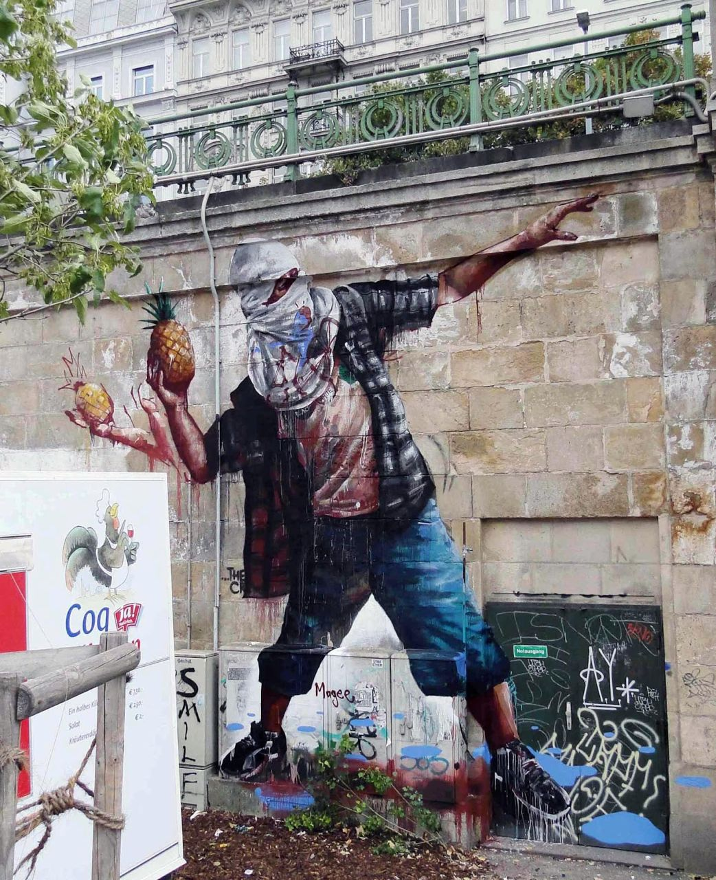 Fintan Magee in Vienna, Austria. Photo via StreetArtNews.