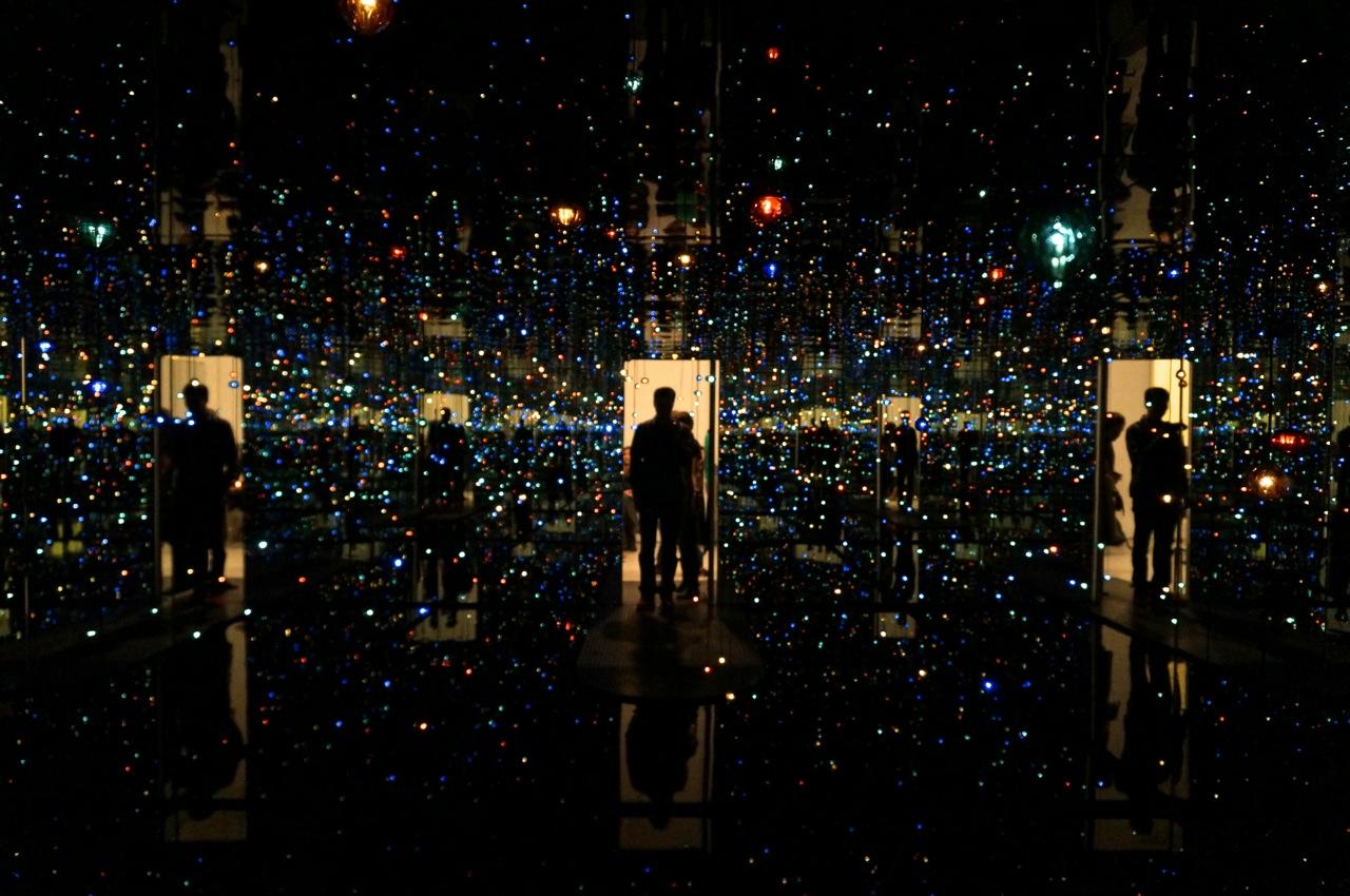 Yayoi Kusama zwirner Firefly AM 21
