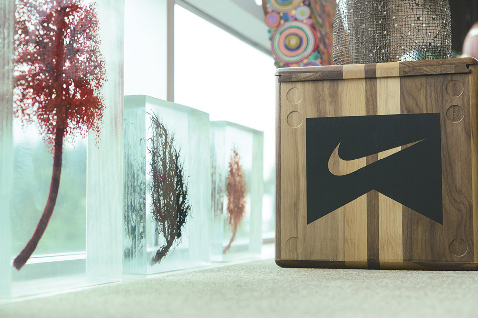 a-look-inside-nike-ceo-mark-parkers-office-11