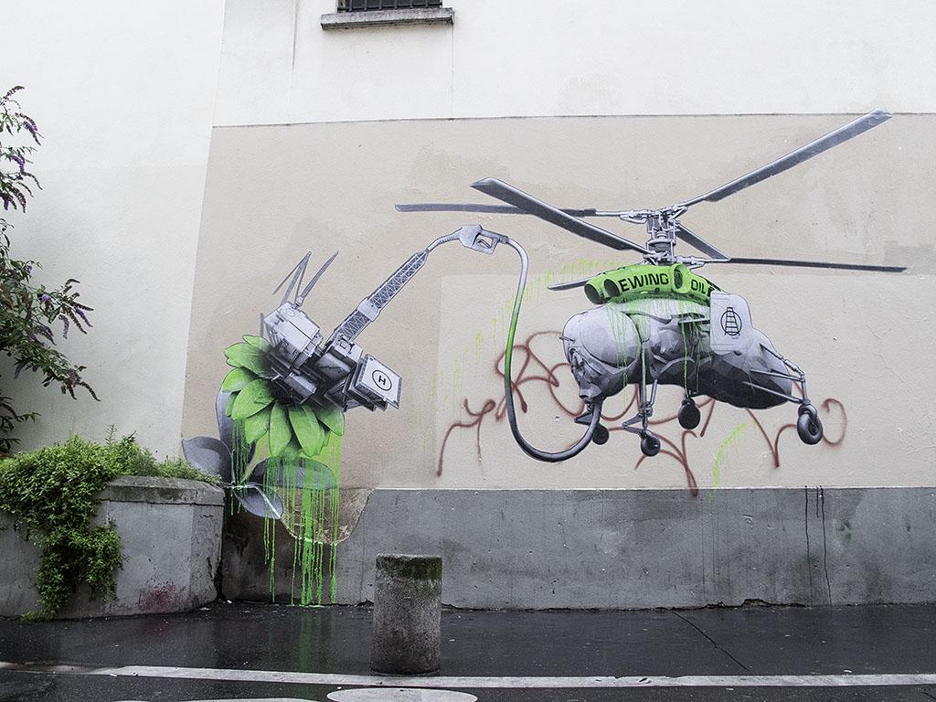 Ludo in Paris.