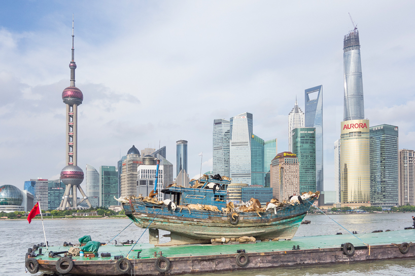 cai-guo-qiang-the-ninth-wave-huangpu-river-shanghai-designboom-01
