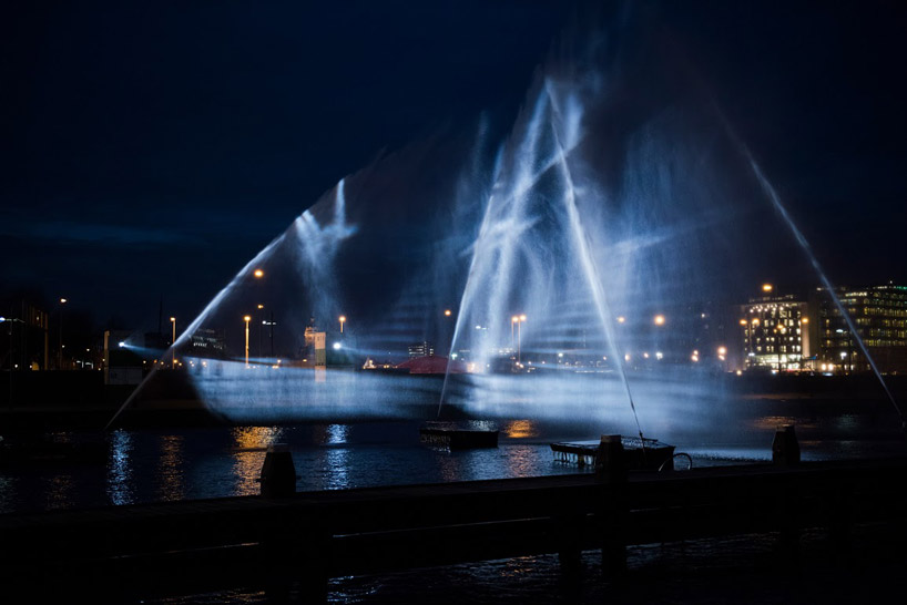 visualSKIN-project-ghost-ship-hologram-along-amsterdam-canal-designboom-19