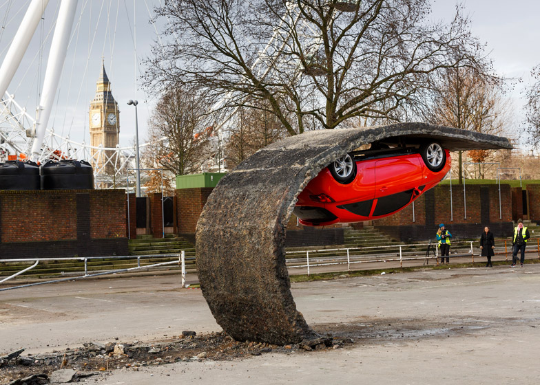 Alex-Chinneck-for-Vauxhall-Motors-Pick-yourself-up-and-pull-yourself_dezeen_784_3