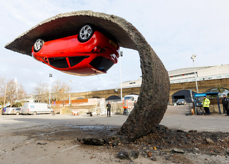 Alex-Chinneck-for-Vauxhall-Motors-Pick-yourself-up-and-pull-yourself_dezeen_784_5