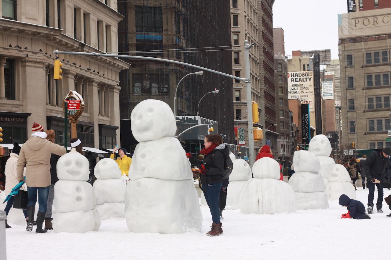 peter-regli-snowmen-04