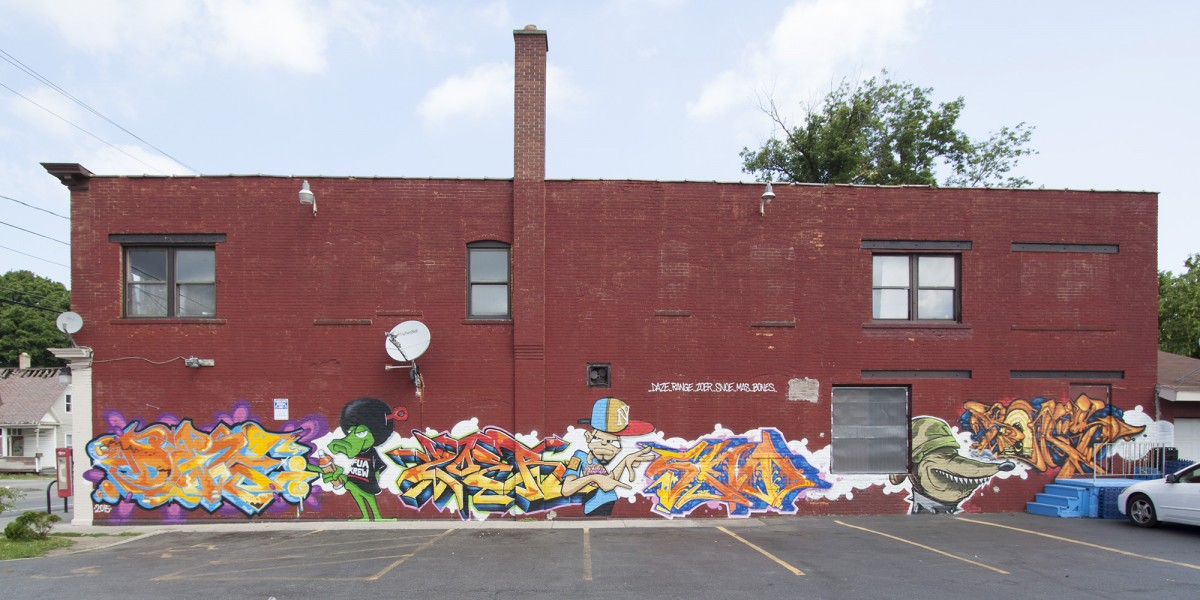 FUA KREW production wall with DAZE. 646 Joseph Ave - Photo by @markdeffphoto