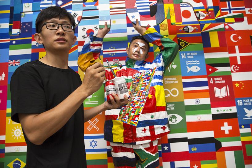 liu-bolin-united-nationals-global-goals-campaign-designboom-06