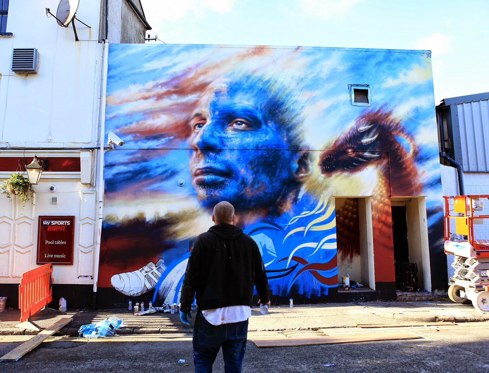 Dale Grimshaw for the Empty Walls Festival in Cardiff, Wales. Via StreetArtNews.