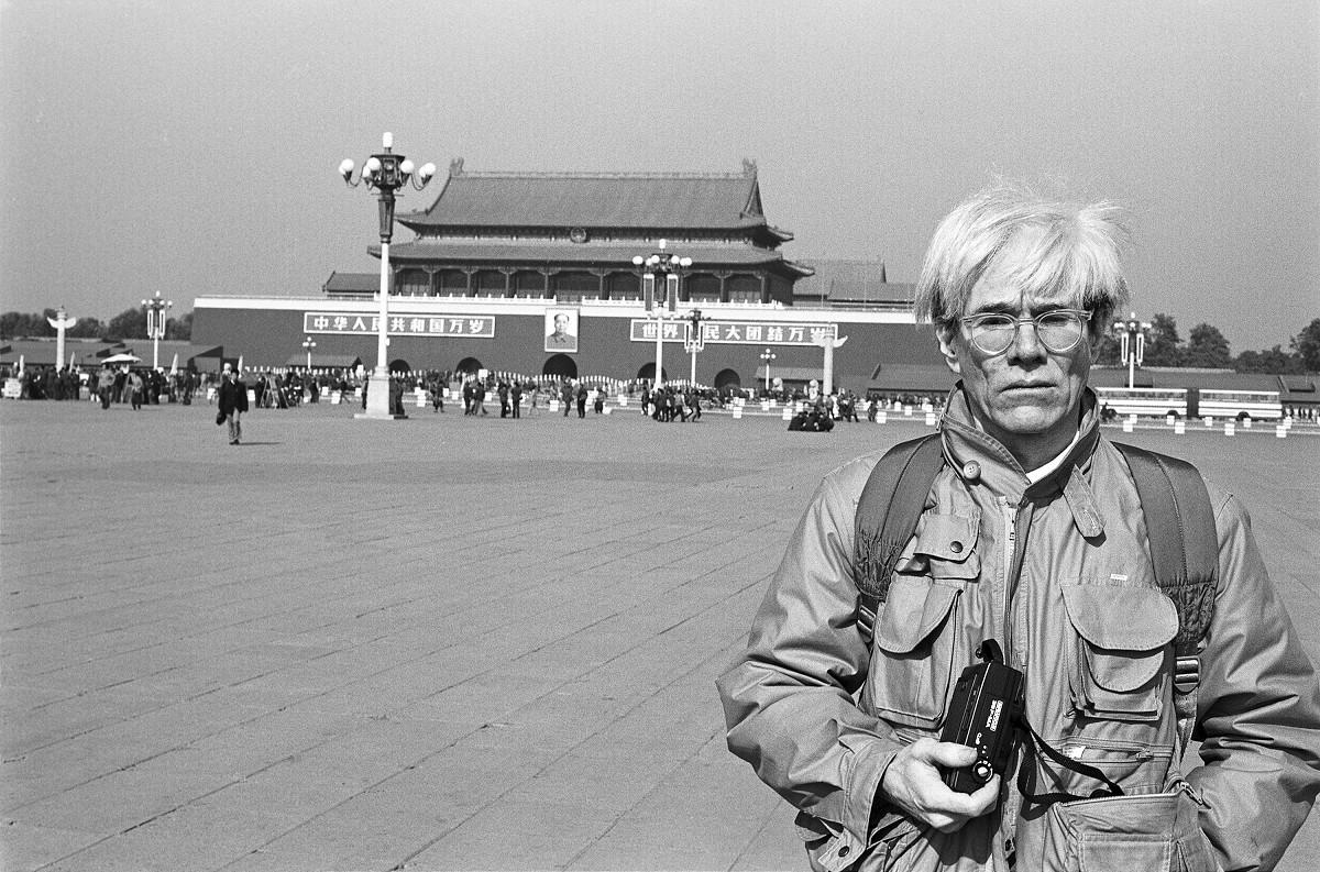 Christopher MakosAndy Warhol in Tiananmen Square1982© Christopher Makos 1982, makostudio.com EXHI031927