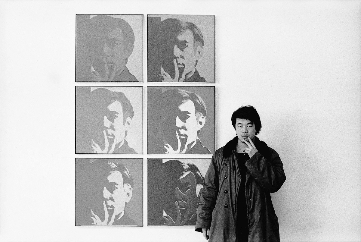 Ai WeiweiChinese 1957–At the Museum of Modern Art1987from the New York Photographsseries 1983–93 silver gelatin photographAi Weiwei Studio© Ai Weiwei; Andy Warhol artwork © 2015 The Andy Warhol Foundation for the Visual Arts, Inc./ARS, New York. Licensed by Viscopy, Sydney. EXHI037703