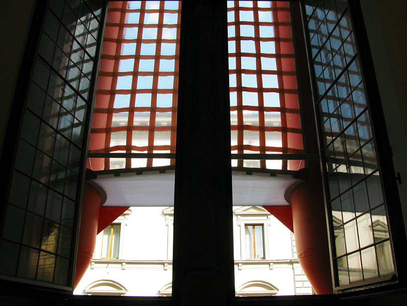 ai-weiwei-palazzo-strozzi-florence-libero-reframe-rubber-boats-designboom-05