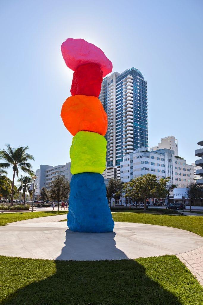 Ugo-Rondinone-Miami-Mountain-5_Web-683x1024
