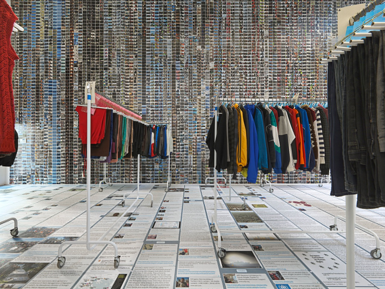 ai-weiwei-laundromat-refugees-jeffrey-deitch-new-york-designboom-04