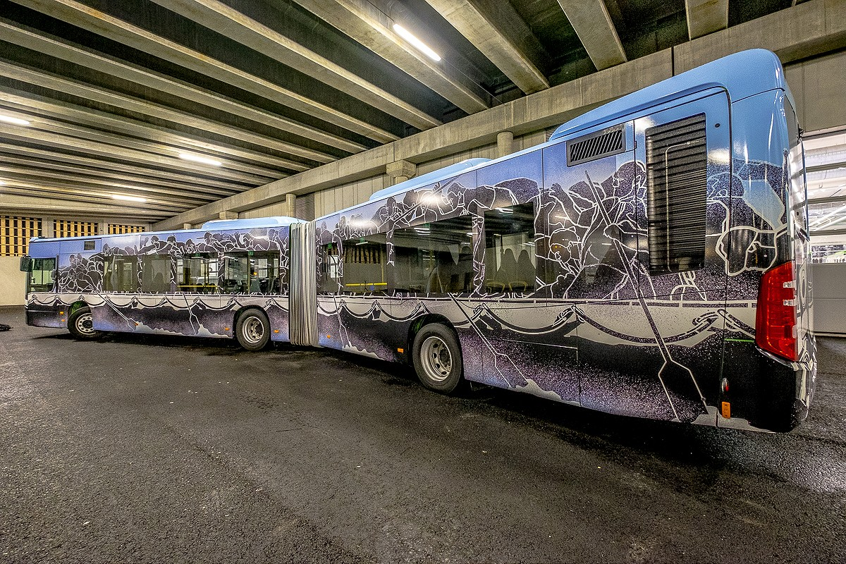 NuArt M-City Bus ©Brian Tallman Photography 05