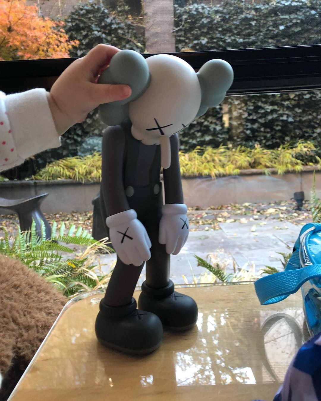 Releases Kaws Small Lie Figures 171 Arrested Motion