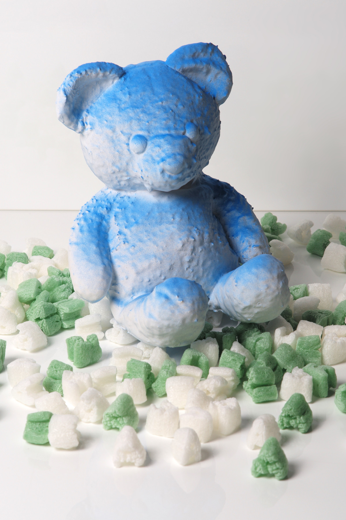 https---hypebeast.com-image-2018-08-daniel-arsham-cracked-bear-edition-launch-10