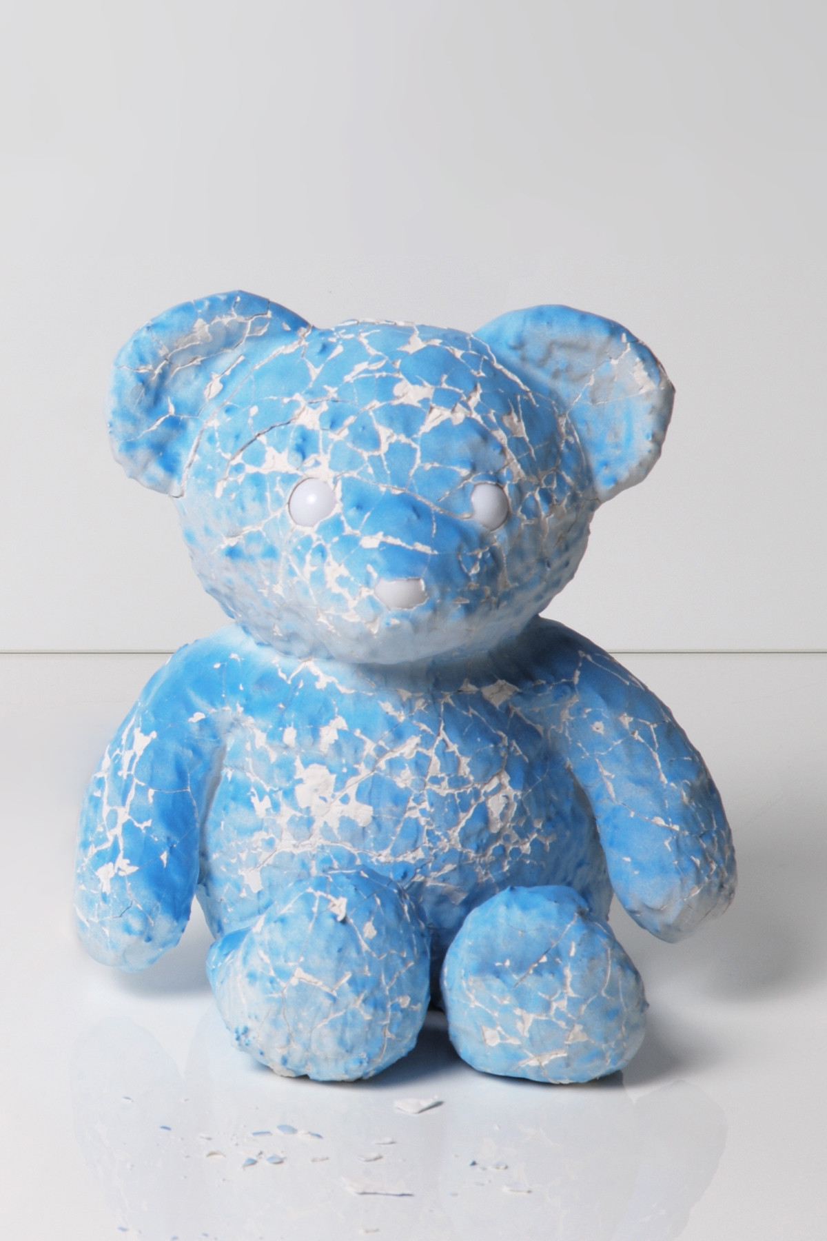 https---hypebeast.com-image-2018-08-daniel-arsham-cracked-bear-edition-launch-14